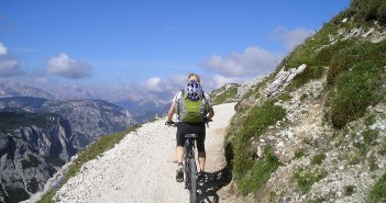 Mountainbike Tour Rucksack packen